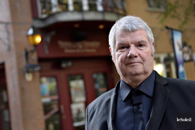 Jean Beauchesne est directeur général du théâtre Petit... (Photo Le Soleil, Patrice Laroche)