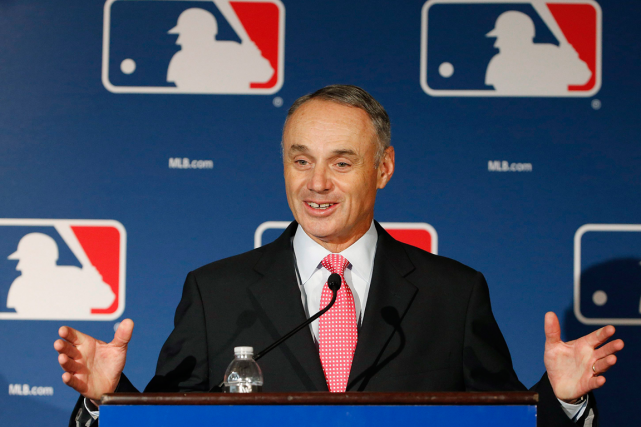 Le commissaire du Baseball majeur, Rob Manfred.... (Photo Ross D. Franklin, archives AP)