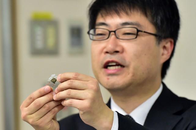 D'une épaisseur de seulement 15 micromètres (quatre fois... (Photo Yoshikazu TSUNO, AFP)