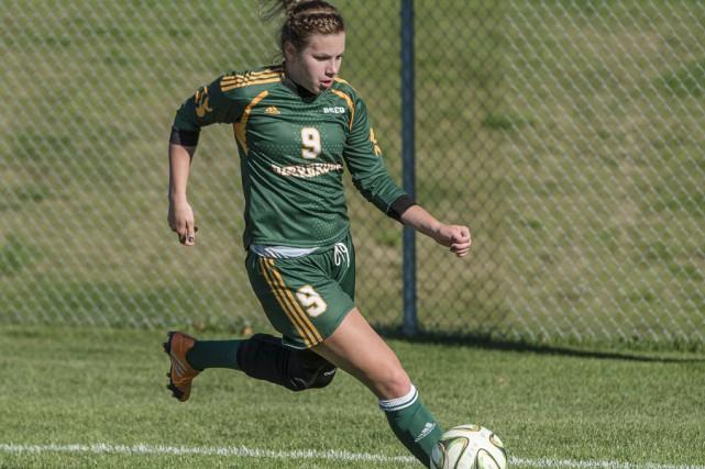 Christina Arès St-Onge a connu une bonne saison... (Photo Université de Sherbrooke)