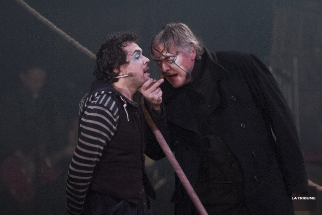 Le travail des acteurs dans l'adaptation théâtrale de... (Imacom, René Marquis)