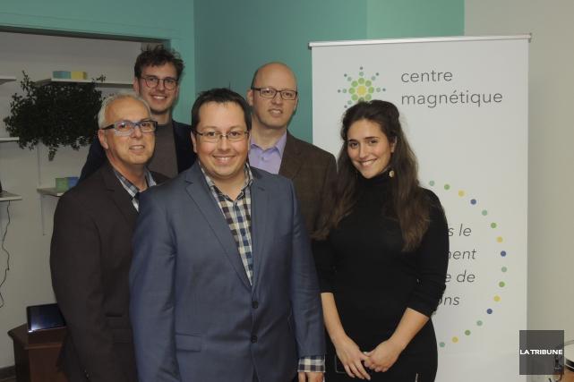 Les membres du conseil d'administration du nouveau Centre... (La Tribune, Ronald Martel)