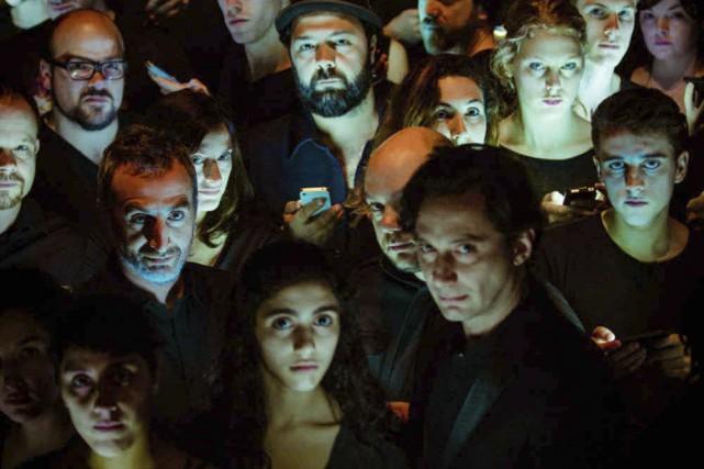 La production Trois de Mani Soleymanlou, qui a... (PHOTO ULYSSE DEL DRAGO, FOURNIE PAR LE THÉÂTRE D'AUJOURD'HUI)