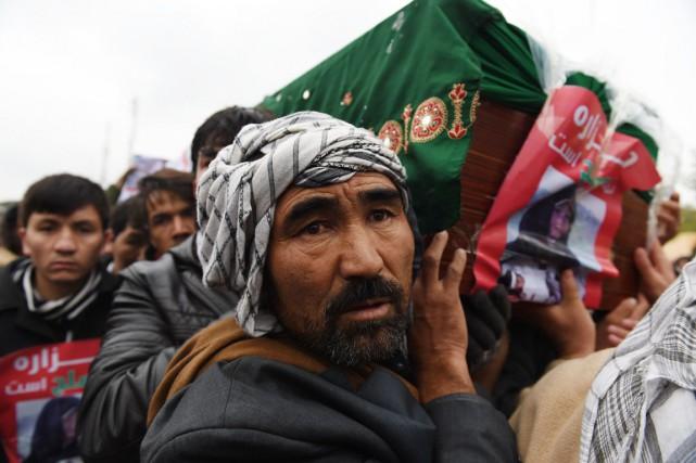 Régulièrement persécutés par les talibans à l'époque où... (PHOTO SHAH MARAI, AFP)