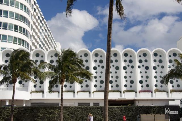 Le Fontainebleau, à Miami Beach, fait partie des... (Photo Stéphanie Bérubé, La Presse)