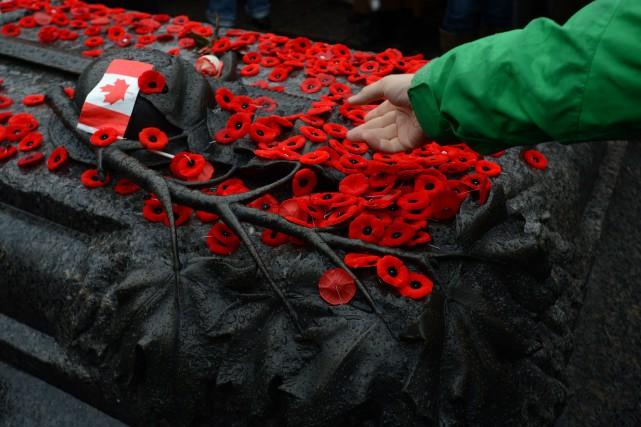 Le Parti libéral du Canada (PLC) a profité du jour du Souvenir pour glaner des... (Photo Sean Kilpatrick, PC)