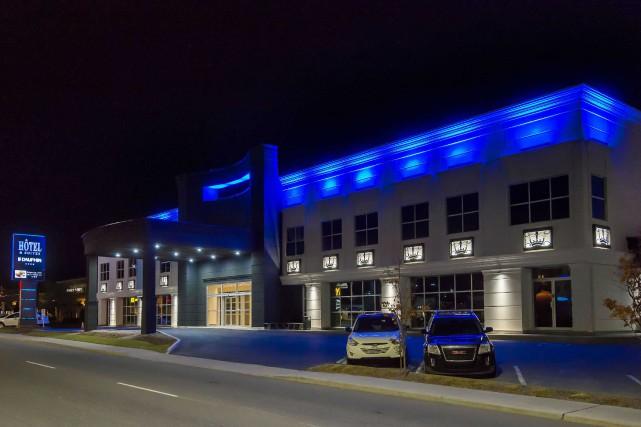 L'hôtel et suites Le Dauphin de Drummondville s'est...