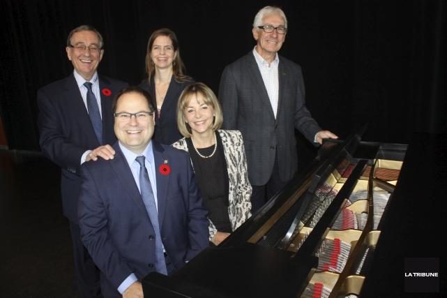 Yolande Cardinal et Marie-Claude Matton de Concours musique... (La Tribune, Yanick Poisson)