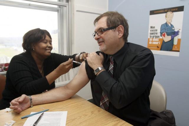 Le Dr Guy Morissette a montré l'exemple à...