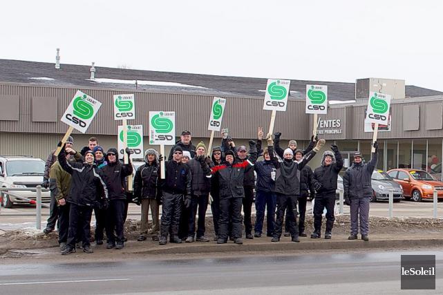 L'affrontement patronal-syndical déchire la région du Saguenay-Lac-Saint-Jeandepuis la... (Photothèque le Soleil)