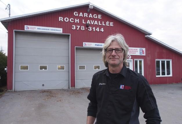 Le garagiste Ghislain Lavallée s'est fait à l'idée... (photo Alain Dion)