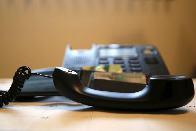 Même s'il est en perte de vitesse, le téléphone fixe demeure le mode de... (Simon Séguin-Bertrand, archives LeDroit)