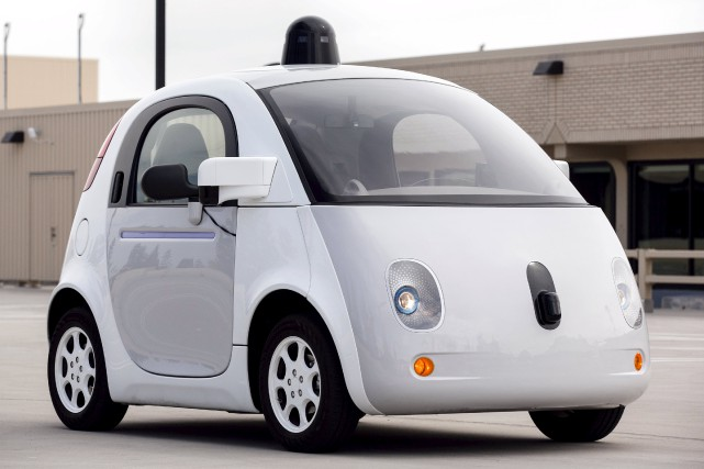 La voiture Google à conduite autonome... (PHOTO ARCHIVES REUTERS)