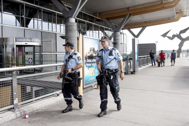 Les policiers norvégiens avaient été autorisés à porter... (PHOTO AUDUN BRAASTAD, ARCHIVES REUTERS)