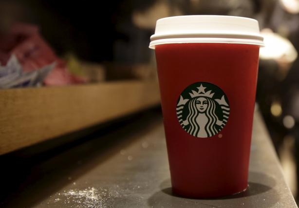 Starbucks a dit cette année vouloir miser sur... (PHOTO BRENDAN MCDERMID, REUTERS)