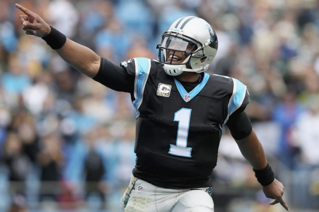 Cam Newton... (Photo archives Agence France-Presse)