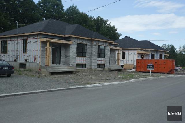 La baisse d'activité dans l'industrie de la construction... (Catherine Trudeau, archives La Voix de l'Est)