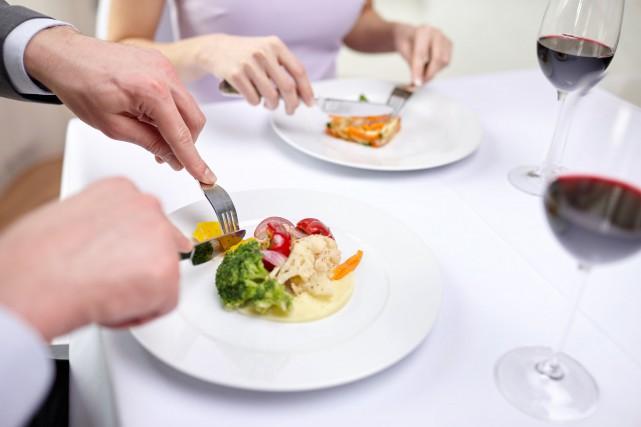 Un restaurant avec un menu pour femmes et un pour hommes. Les plats sont les... (Photo 123RF)