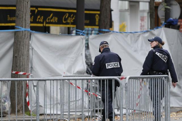 Selon des témoins, un ou des kamikazes ont... (PHOTO PATRICK KOVARIK, AFP)