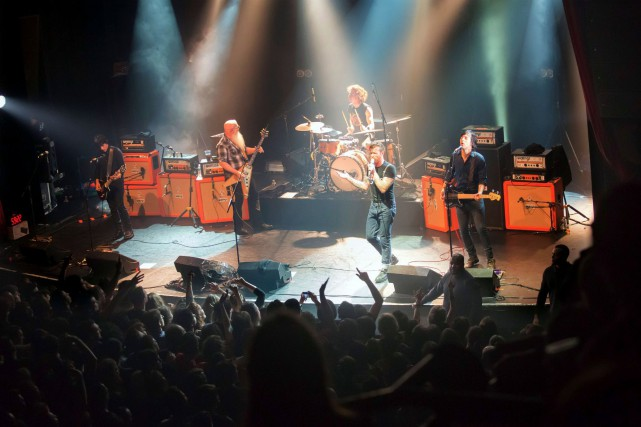 Le groupe de rock Eagles of Death Metal... (PHOTO ARCHIVES AFP)