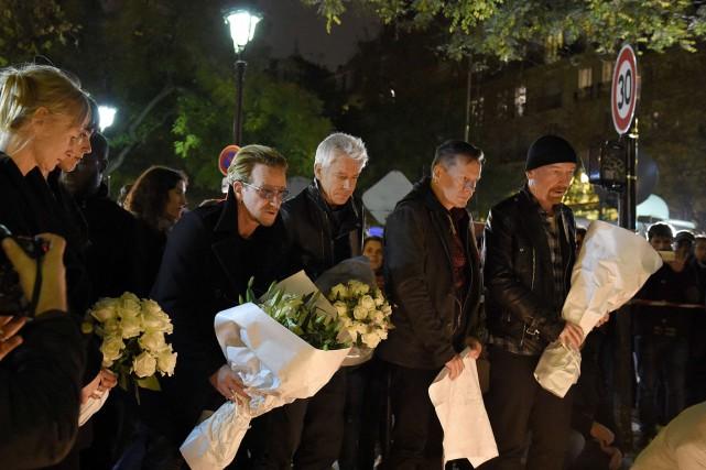 Les membres de U2 se sont rendus au... (PHOTO FRANCK FIFE, AFP)