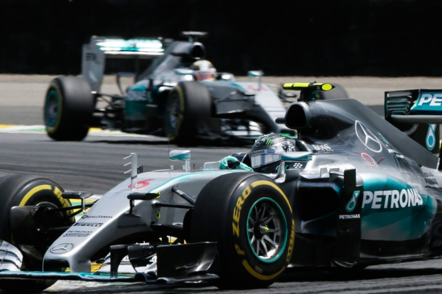 nico rosberg remporte le gp du br sil stephen wade f1. Black Bedroom Furniture Sets. Home Design Ideas