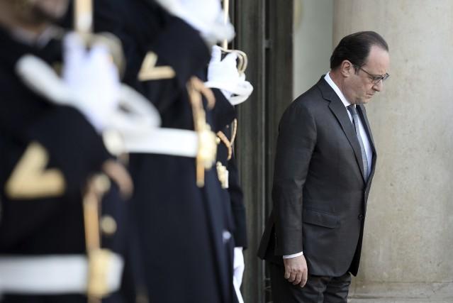 Après les attentats, le président français François Hollande... (Agence France-Presse)