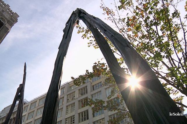 Les attracteurs, de l'artiste André Du Bois, font... (Le Soleil, Frédéric Matte)