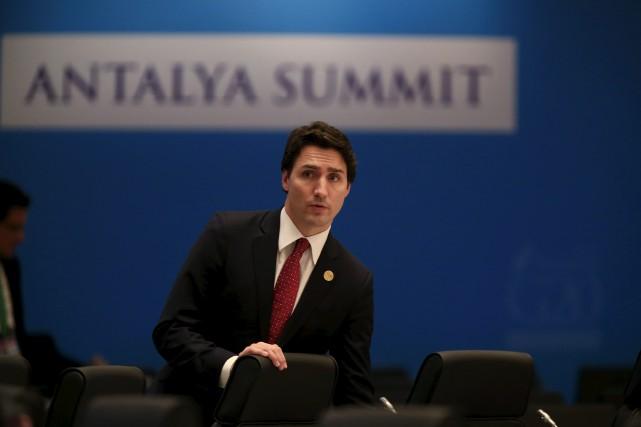Justin Trudeau a fait ses premiers pas sur... (Lefteris Pitarakis, Associated Press)