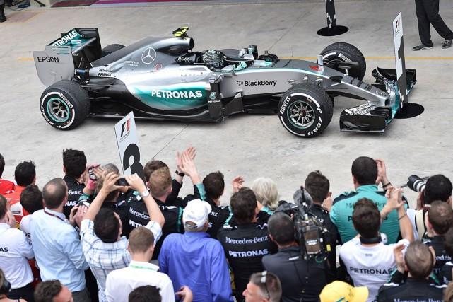 Nico Rosberg a signé, dimanche, sacinquième victoire de... (AFP, Miguel Schincariol)