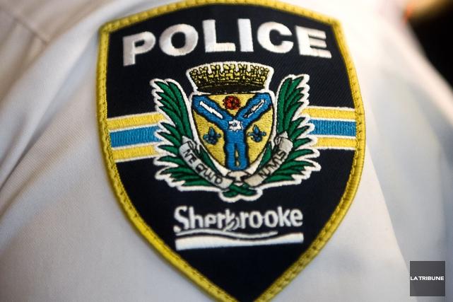 Le Service de police de Sherbrooke tente de résoudre une affaire de... (Archives La Tribune)