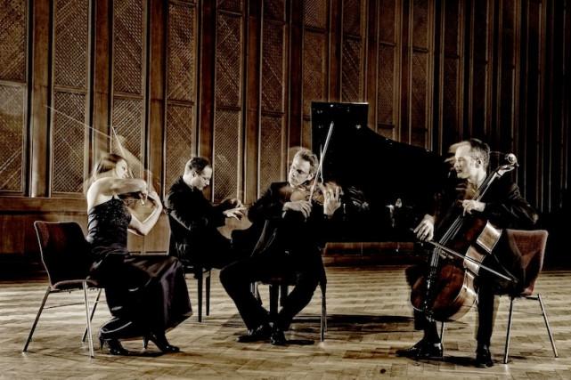 Le Fauré Quartett, formation piano-cordes allemande au nom français, jouait... (PHOTO MAT HENNEK, TIRÉE DU SITE OFFICIEL DU GROUPE)