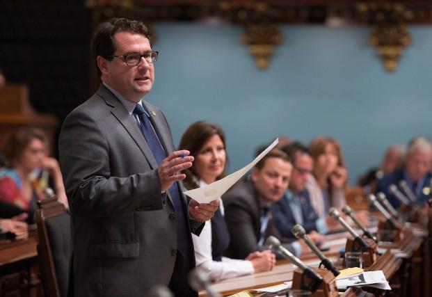 «Bernard Drainville aurait dû donner l'heure juste, écrit... (photoJacques Boissinot, archives la presse canadienne)
