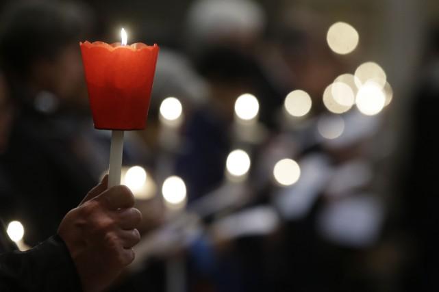 Une autre cérémonie de recueillement aura lieu à Sherbrooke en solidarité avec... (Photo AP)