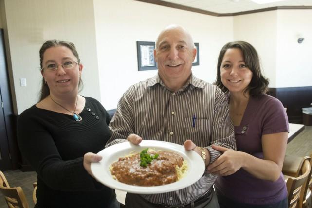 Josette, Mario et Martine Quintal se préparent à... (Stéphane Lessard)