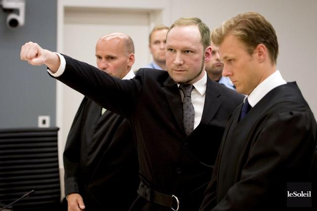 Anders Breivik (au centre) a perpétré un attentat... (Photothèque Le Soleil)