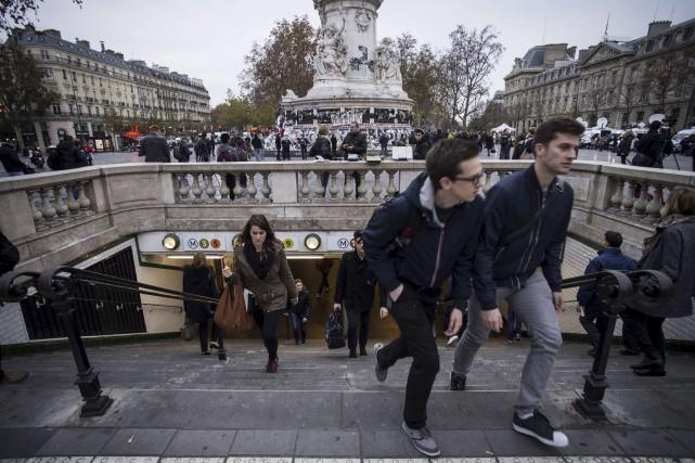 Les wagons du métro étaient pleins à l'heure... (Agence France-Presse)