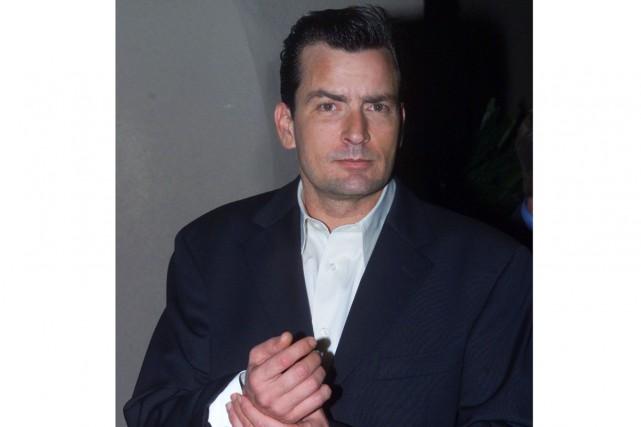 L'acteur Charlie Sheen doit faire une annonce personnelle... (archives Reuters)