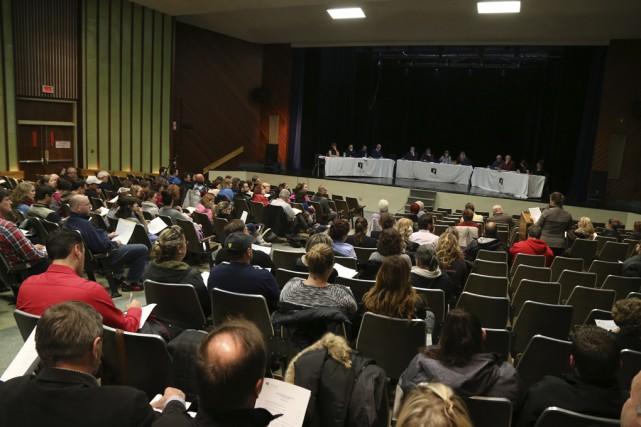 Le conseil des commissaires de Val-des-Cerfs a reçu,... (photo Janick Marois)