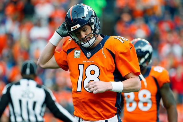 Peyton Manningété cloué au banc pour la première... (Photo Jack Dempsey, archives AP)