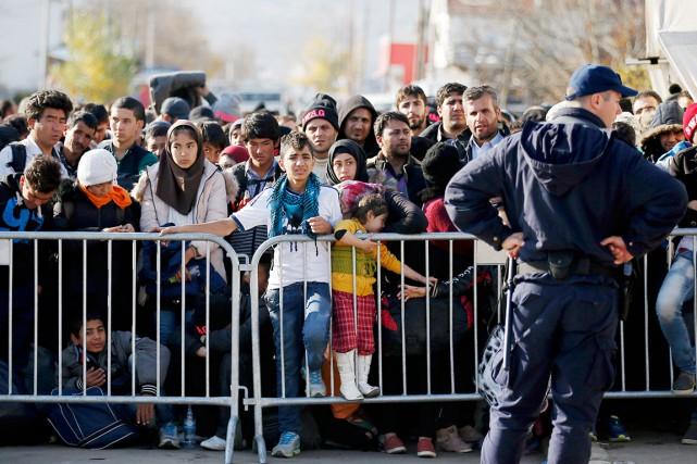 Une spécialiste polonaise en matière de migrations estime... (AP, Darko Vojinovic)