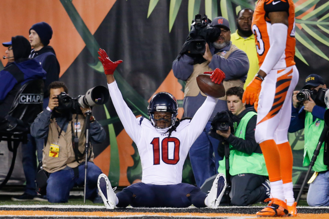 DeAndre Hopkins, des Texans de Houston, célèbre dans... (Photo Frank Victores, AP)