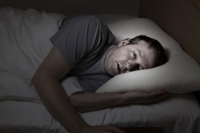 La tendance à vouloir dormir est fréquente en... (Photo Thinkstock)