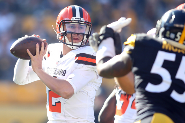 Johnny Manziel a récolté 372 verges de gains... (Photo Charles LeClaire, USA Today)