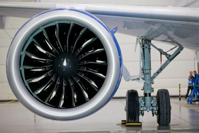 «L'industrie aéronautique produit environ 2% des gaz à... (PHOTO DAVID BOILY, ARCHIVES LA PRESSE)