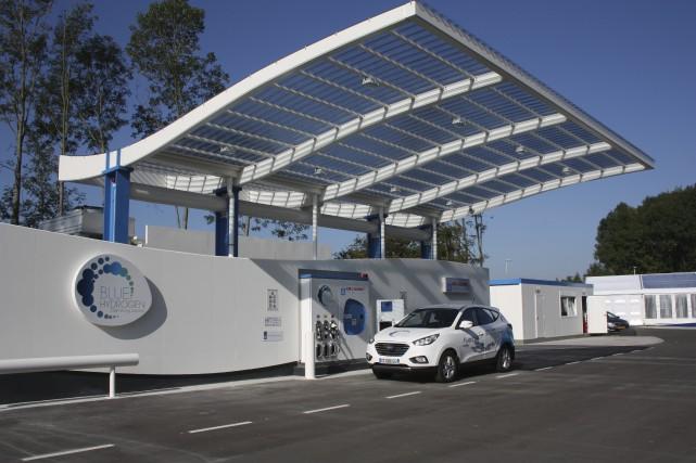 Une station-service à hydrogène d'Air Liquide.... (PHOTO ARCHIVES AGENCE FRANCE-PRESSE)