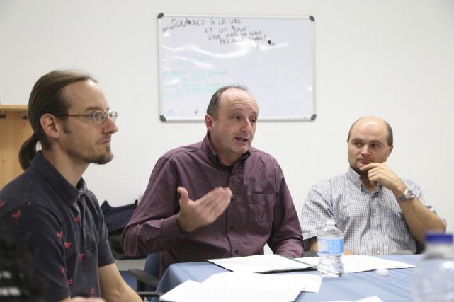 Nicolas Luppens, coordonnateur du GASP, Roger Lafrance, président... (Photo Janick Marois)