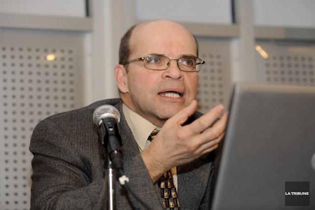 Rémi Landry, professeur à l'École de politique appliquée... (Archives, La Tribune)