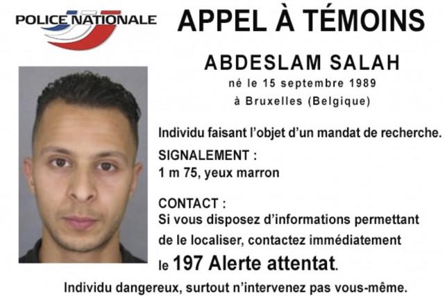 Salah Adbeslam, 26 ans, soupçonné d'avoir également participé... (PHOTO ARCHIVES POLICE NATIONALE FRANÇAISE/REUTERS)