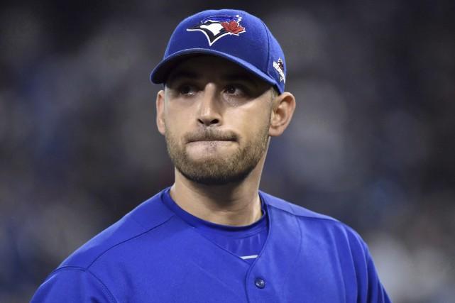 Estrada est à l'aise dans le vestiaire des... (Photo Presse Canadienne)